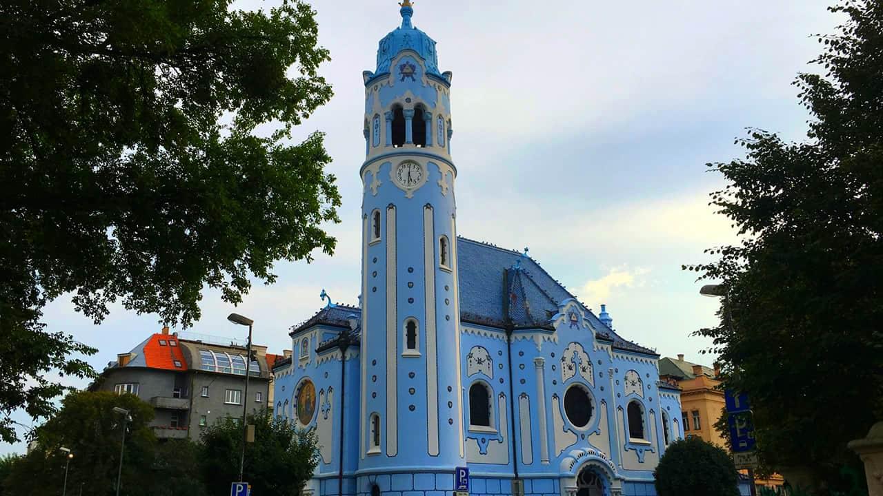 bratislava-chiesa-blu