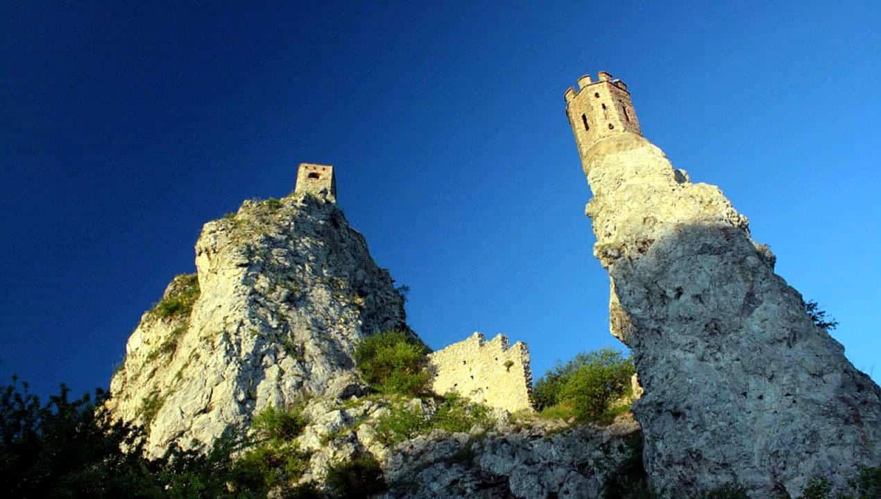 torre-castello-devin